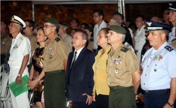 O governador do Estado em exercício, Zequinha Marinho (c), participou na noite desta segunda-feira, 4, das comemorações pelos 108 anos de criação do Comando da 8ª Região Militar. A cerimônia foi realizada no Forte do Presépio, no Complexo Feliz Lusitânia,